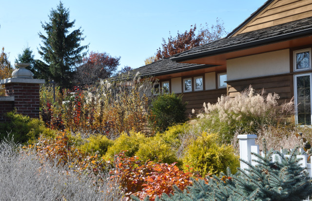 Hunziker House at Reiman Gardens in the fall