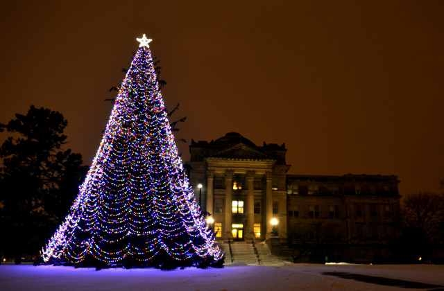 Holiday Tree and Beardshear Hall